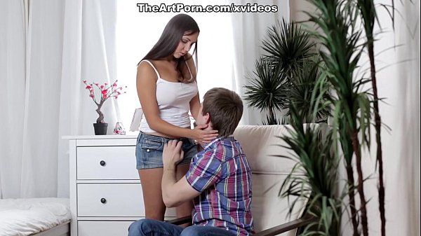 Novinha gemendo na pica do amigo