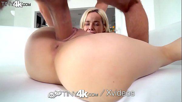 Baixar video pornohub com uma beldade loira fodendo com excitação