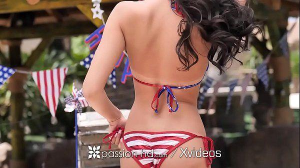 Sacanagem com novinha americana fodendo super excitada